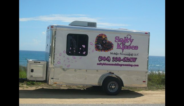 Salty Kisses Mobile Grooming llc